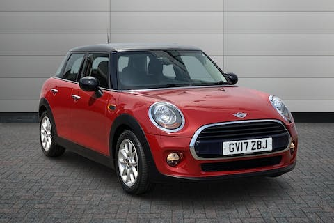 Red MINI Hatch Cooper D 2017