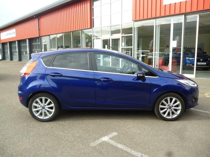 Blue Ford Fiesta 1.0 Titanium 2015